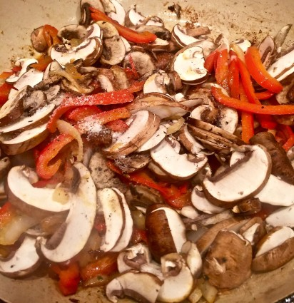 chicken skillet onions peppers and mushrooms