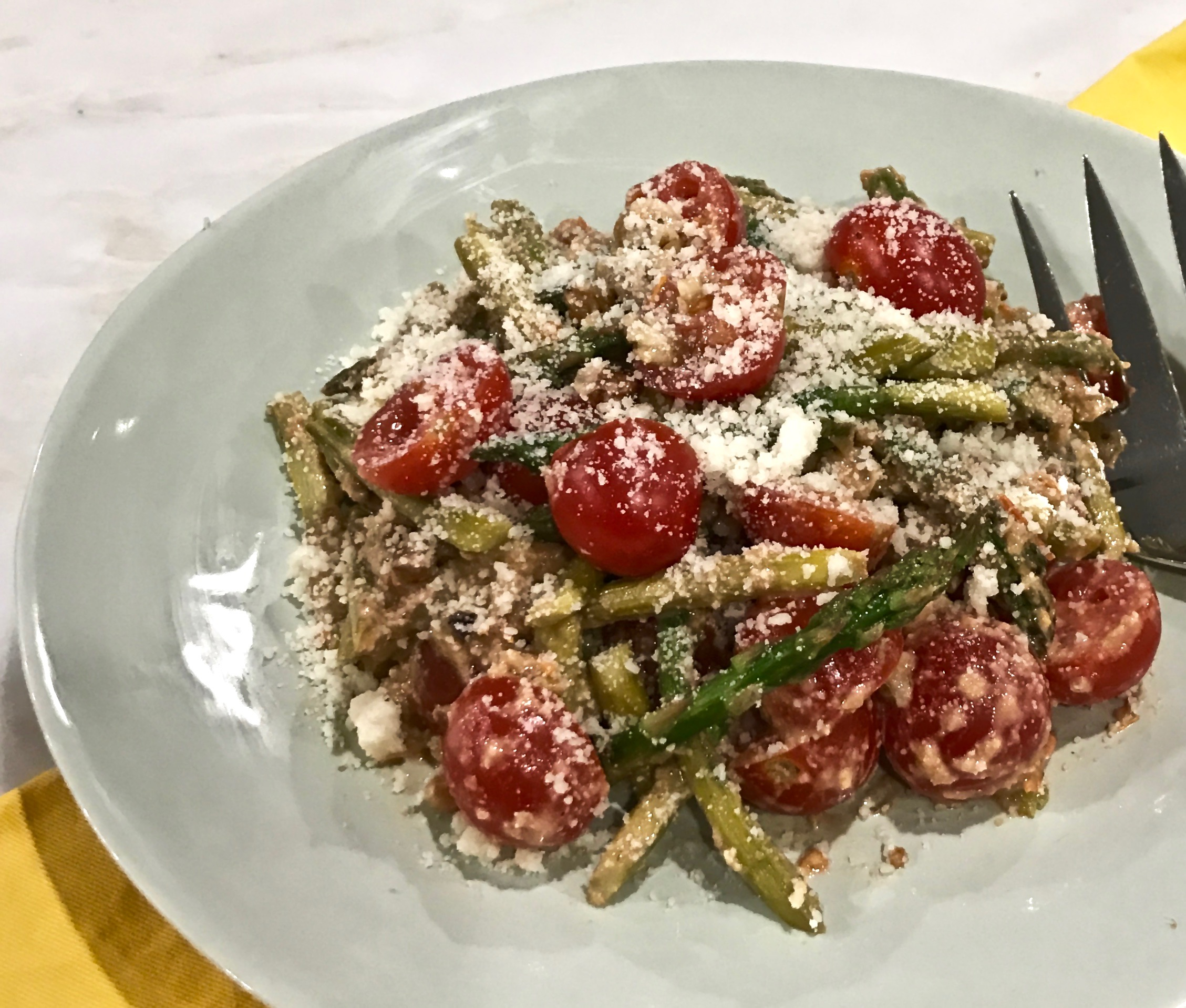 Roasted Asparagus With Walnuts, Parmesan, And Cherry Tomatoes | Cindy